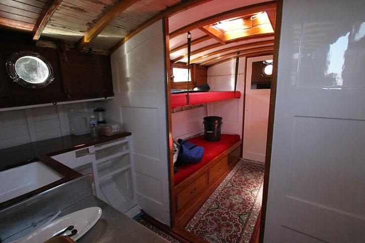 Classic Motoryacht Interior