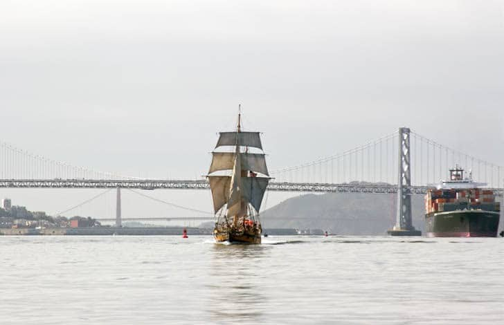 Hawaiian Chieftain and a Containership Share the Bay