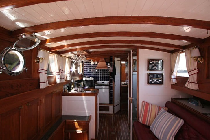 Inside a Trunk-Cabin Stephens Motoryacht from the 1930s