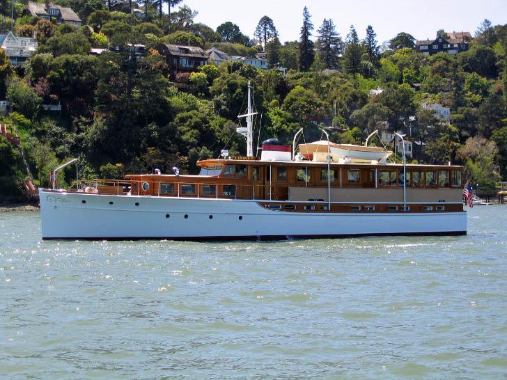Large Classic Motoryacht