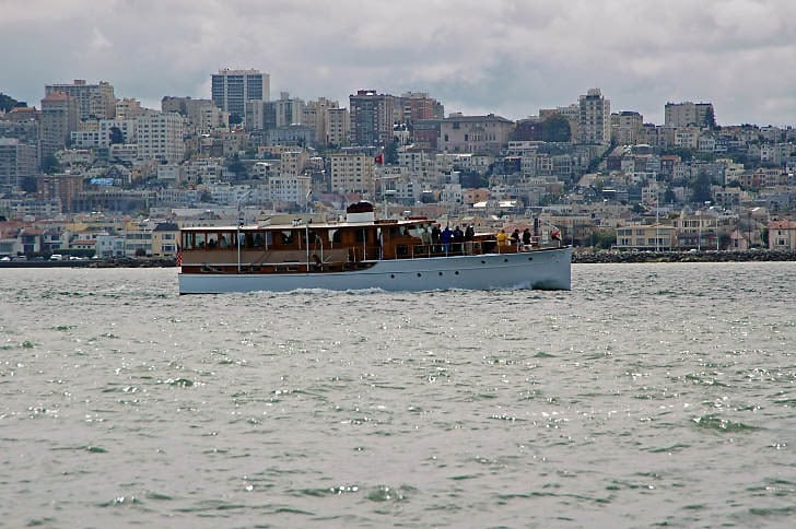 'Linmar' Cruising the San Francisco Shore