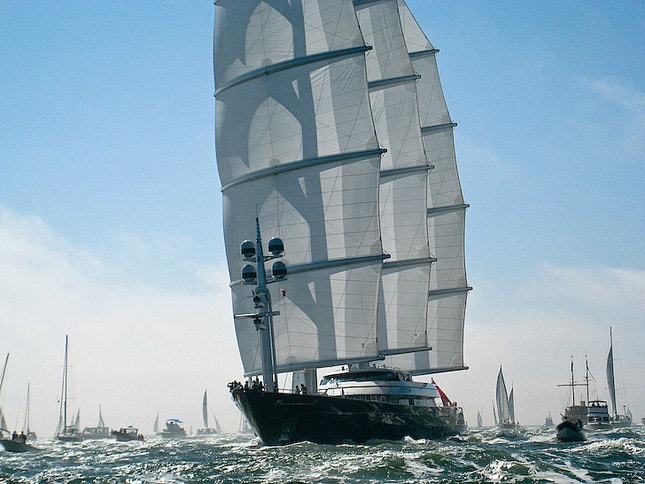 Maltese Falcon Charging at 20 Knots