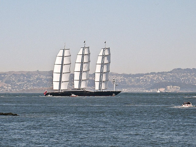 Maltese Falcon Entering Raccoon Strait