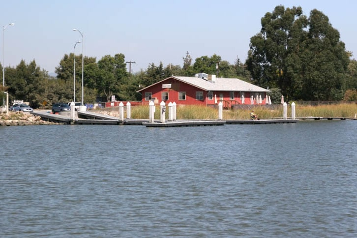 Moore's Landing Restaurant and Cutting's Wharf Ramp