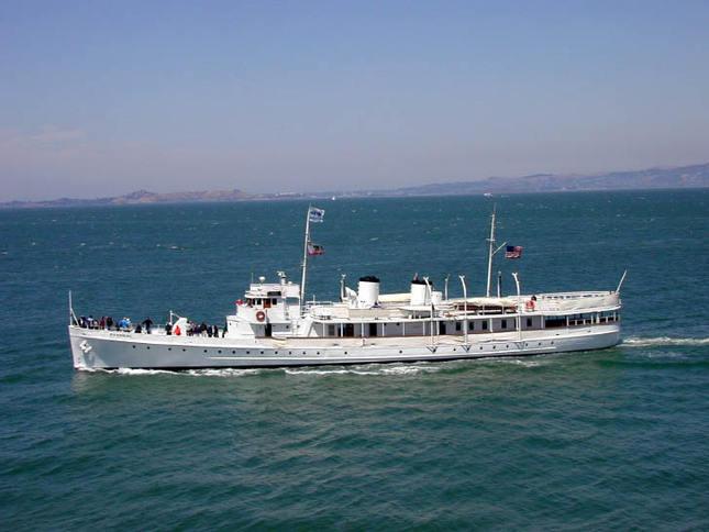Potomac Classic Motoryacht Cruising