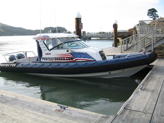 Protector 28 Sport Utility Boat