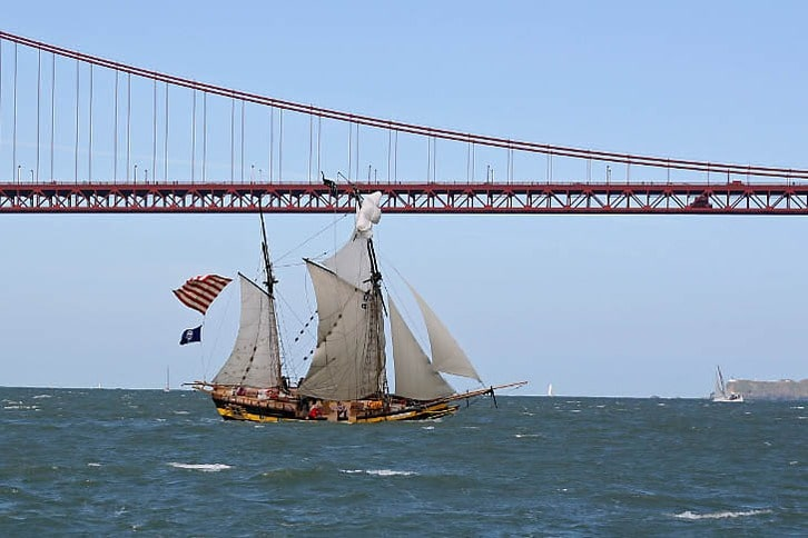 'Royaliste' Crossing the Golden Gate