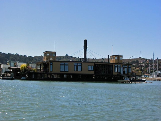The Yellow Ferry Houseboat