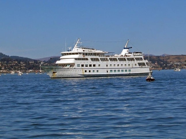 Yorktown Clipper, a 257-foot, 69-stateroom small cruise ship